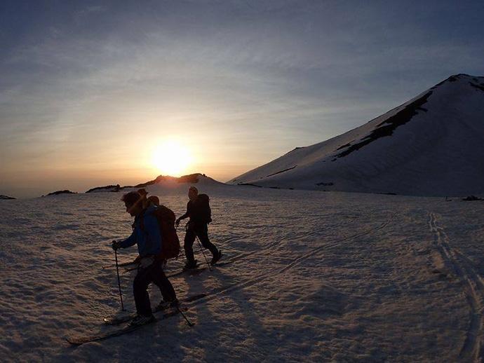 北海道の春山遊びGW(ゴールデンウィーク)