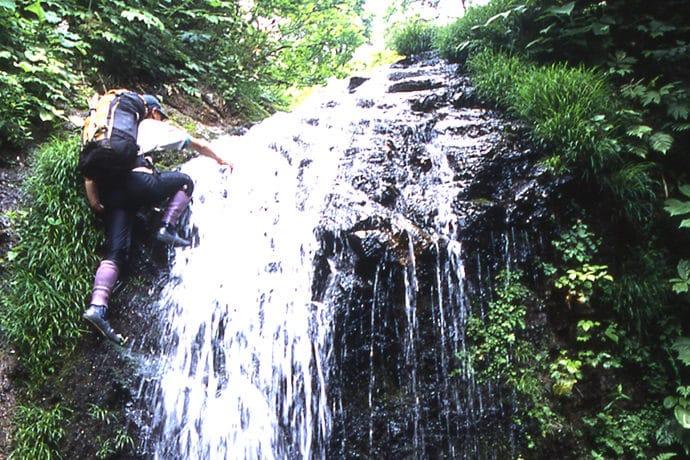 2000年の南会津、カモシカオリジナルの沢タビを履いている