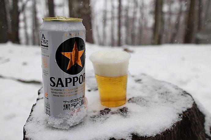 ヘビーデューティな登山で準備したお酒で乾杯