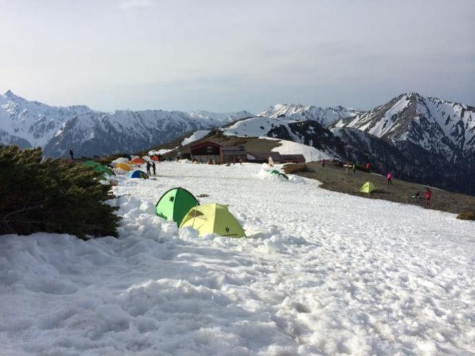 登山中のテント場