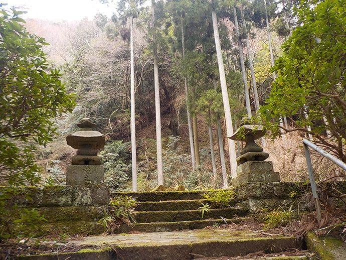 浄発願寺奥の院