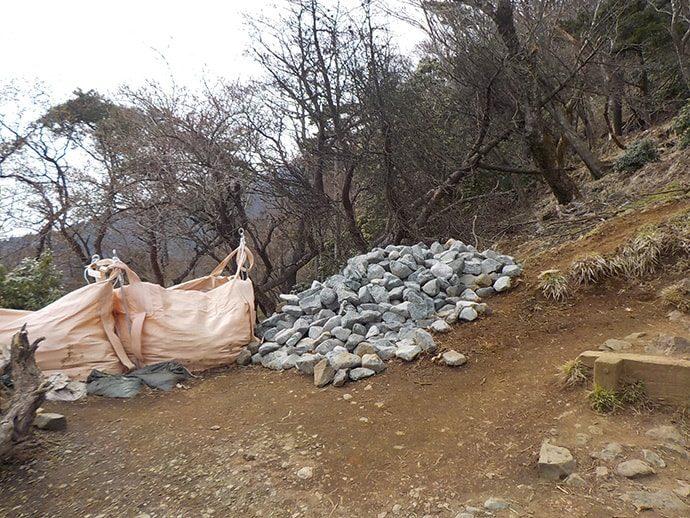 整備中の登山道