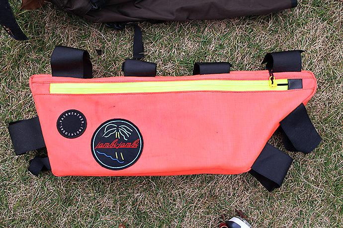 自転車キャンプのサイクルバッグ(フレームバッグ)