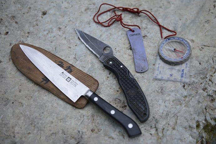 夏ナイフと携帯砥石