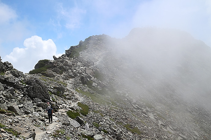 北岳までの登山道