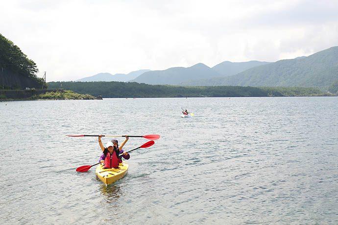 富士五胡 西湖のカヤックツアー