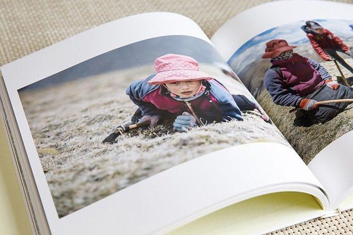 写真集『虫 草 - チベット・極限の標高5000m地帯で冬虫夏草を採る人々 -』