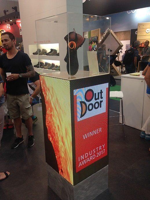 アウトドアショー『OutDoor』。こちらのアウトドアショー2017で、トレッキング部門でみごとWINNERに輝いたのは、テクニカの登山靴『FORGE』
