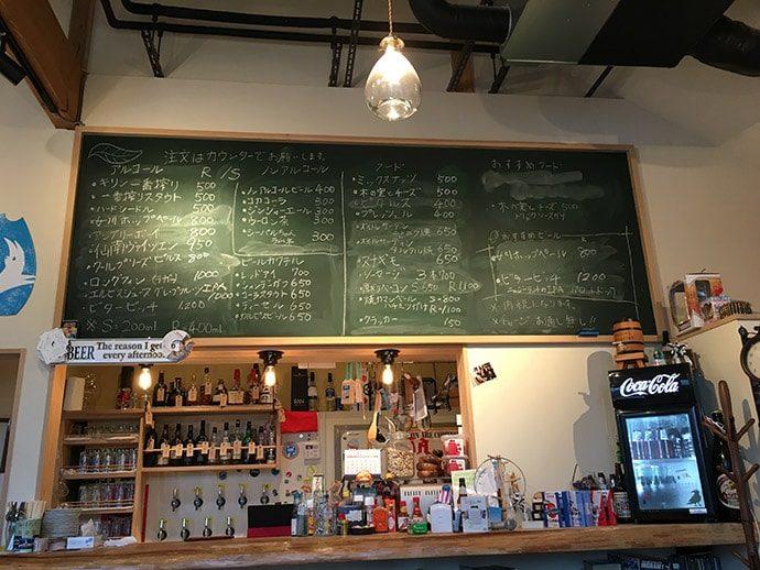ガル屋beerの店内