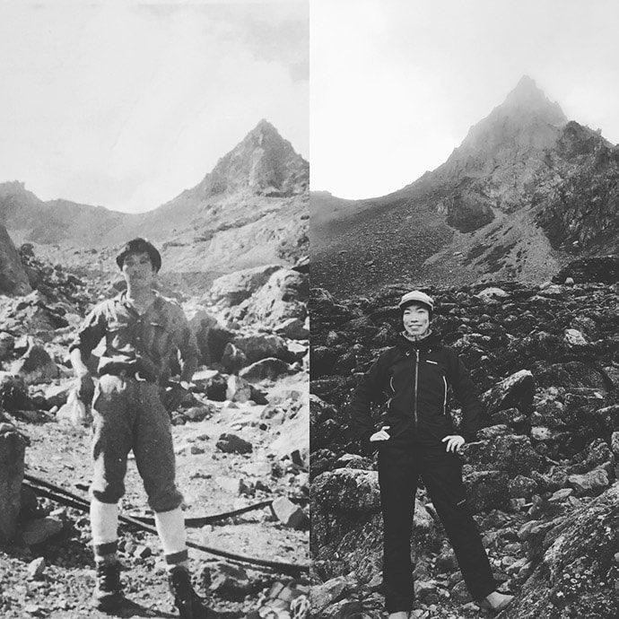 槍ヶ岳山荘の前で父と同じポーズで写真