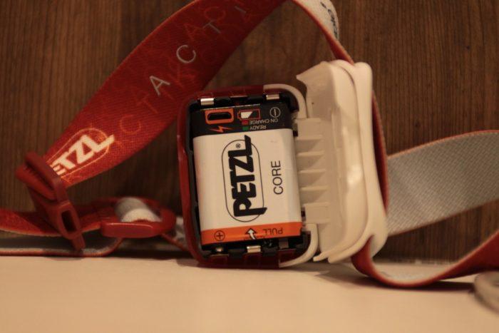 ペツル アクティック コアのバッテリー