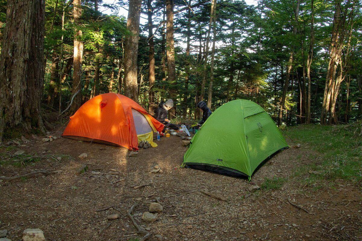 雲取山荘のテント場