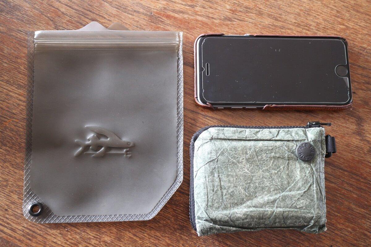 汗・雨・水から 必需品を守る『パタゴニア サーフ・ドライバッグ 』