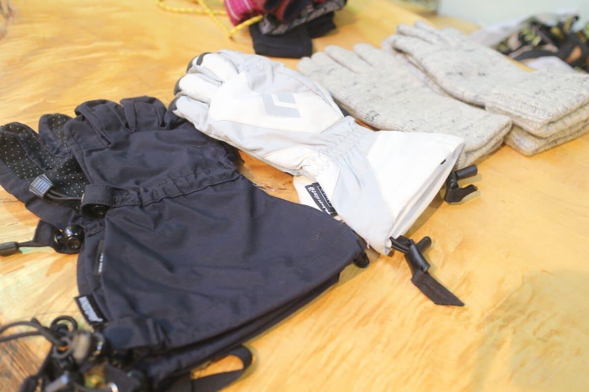 冬の登山のグローブ考-メイングローブとサブグローブの使い分け