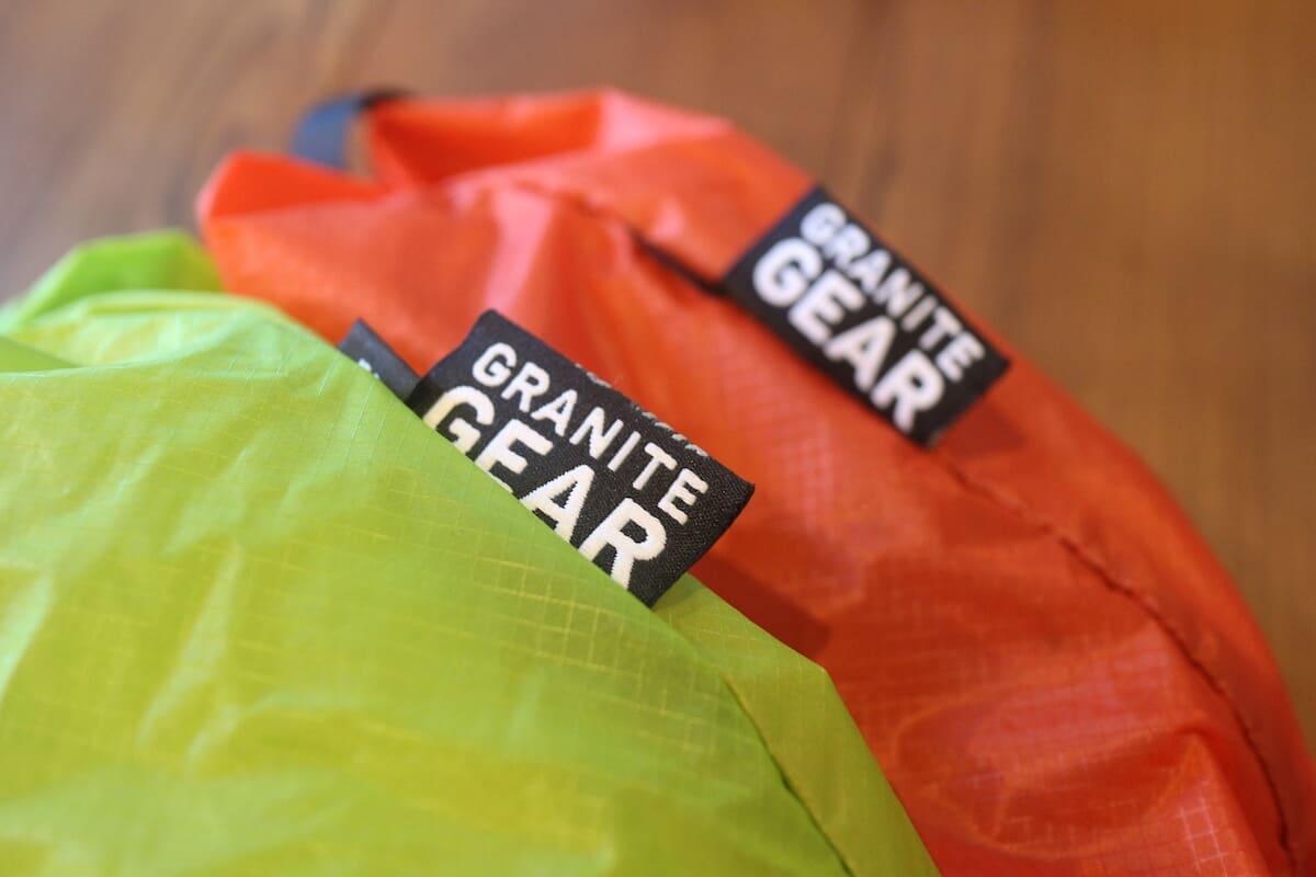 グラナイトギア エアジップサック 山旅好きは整頓上手