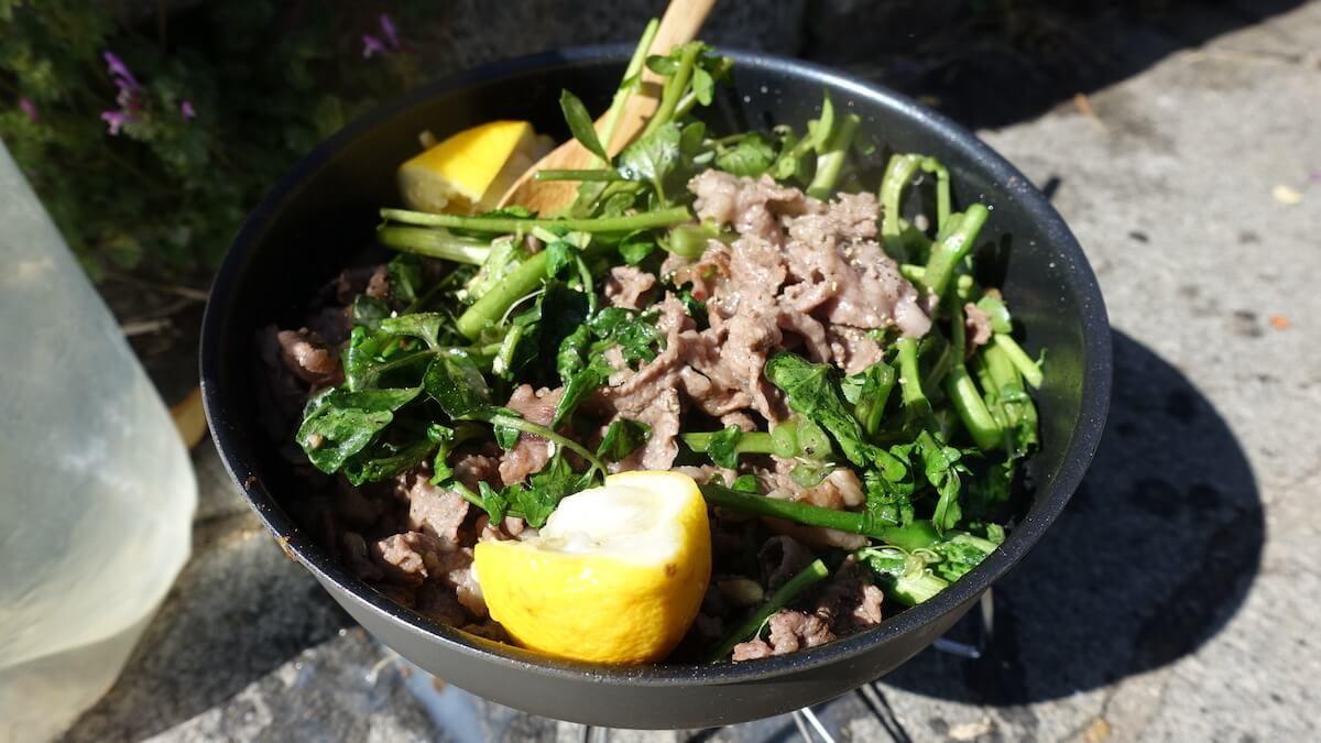 山ごはん「牛肉のレモンあえ」登山で楽しむ簡単レシピ