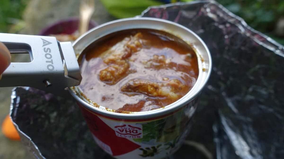 サバ缶で作る簡単山ごはん『サバ缶カレー』