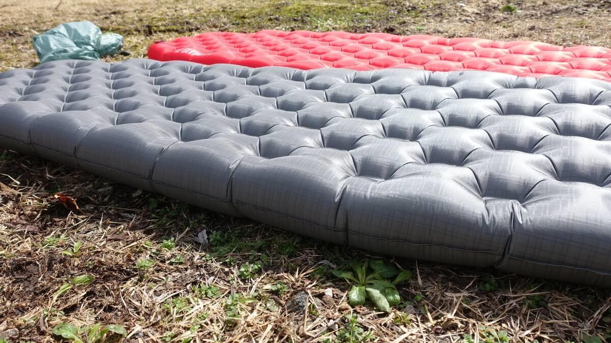 ビッグアグネスの軽量テントマット『AXLエアー』