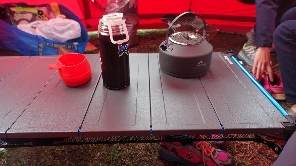 キューブエキスパンダーテーブル スノーライン キャンプ使用時