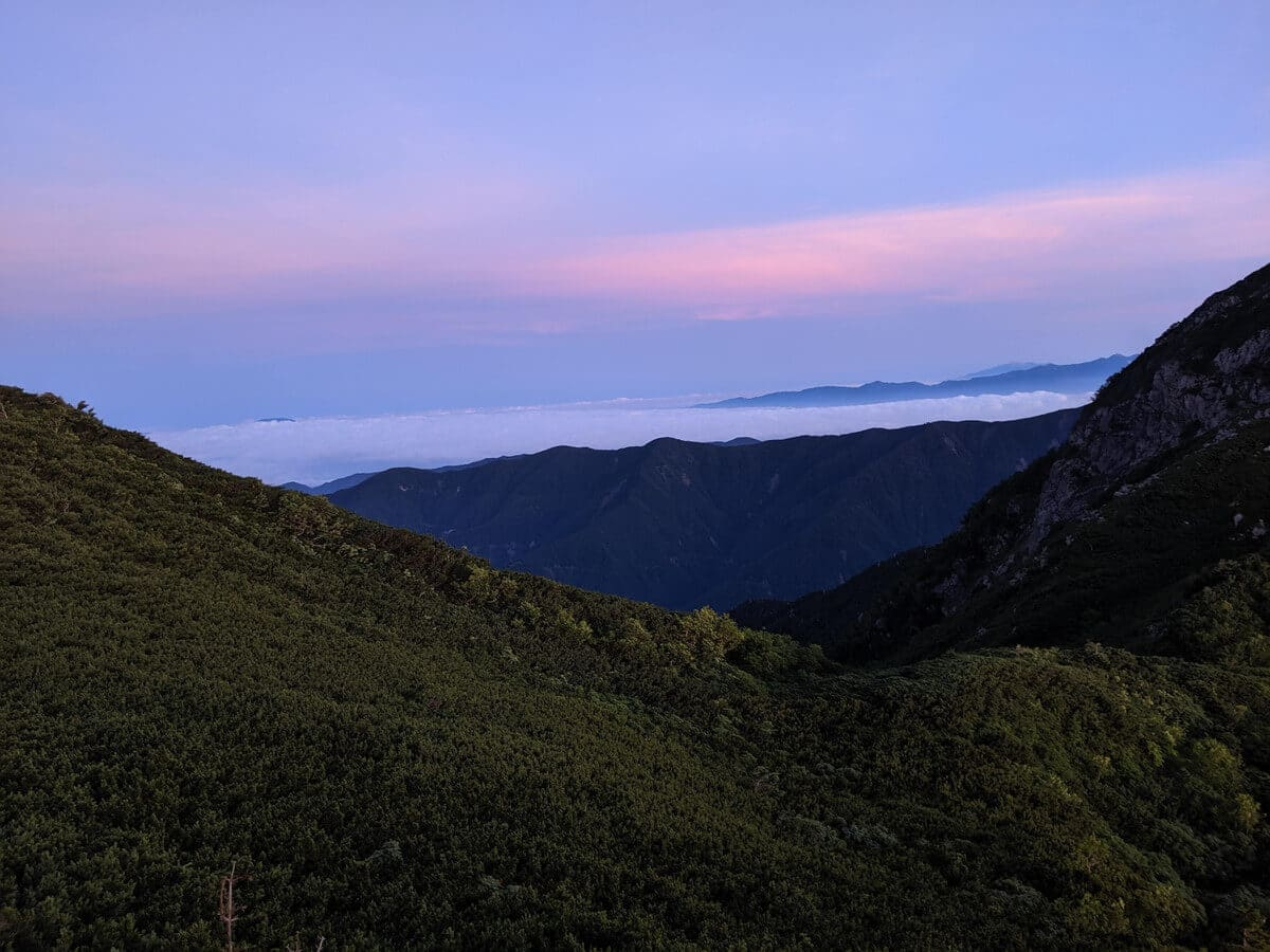兎岳を目指す稜線上
