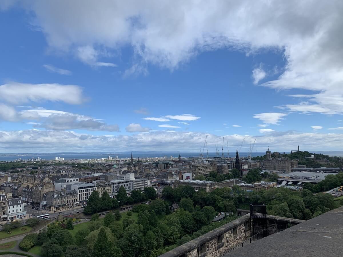 スコットランド エディンバラへ