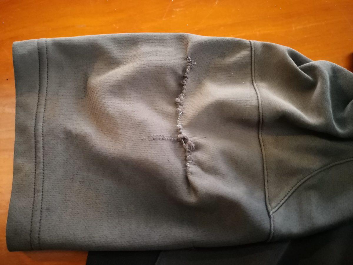 シャツを修理