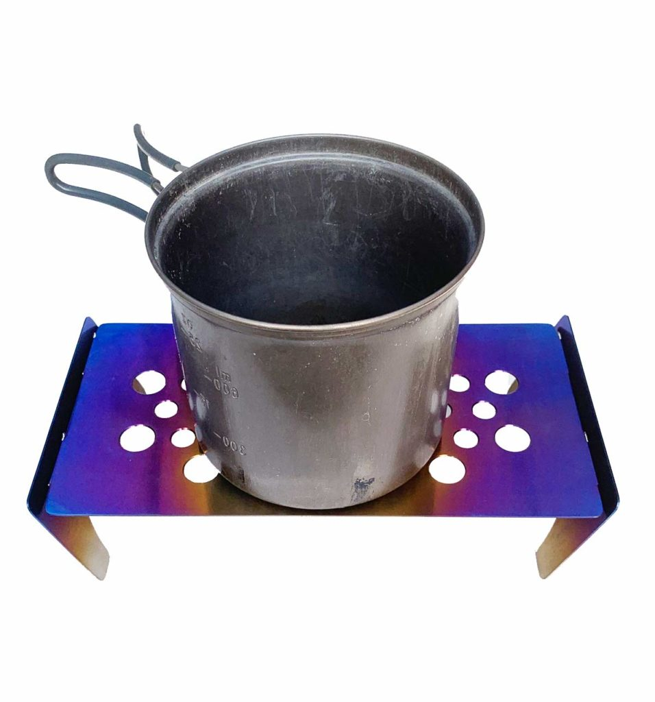 チタン製のコンパクトテーブル