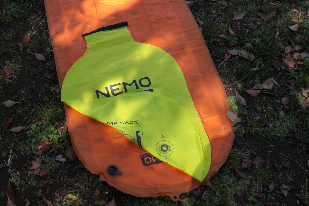 NEMO登山用テントマット「テンサーアルパイン」のバルブ