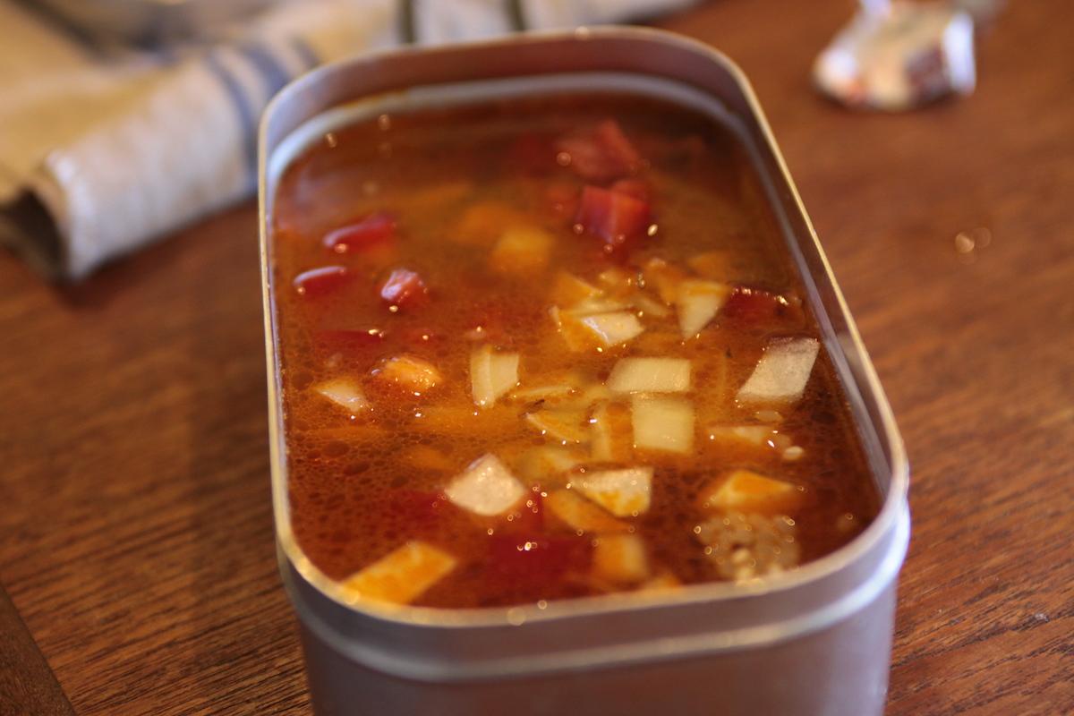 メスティン×パタゴニア プロジョンズで作る簡単炊き込みご飯の作り方