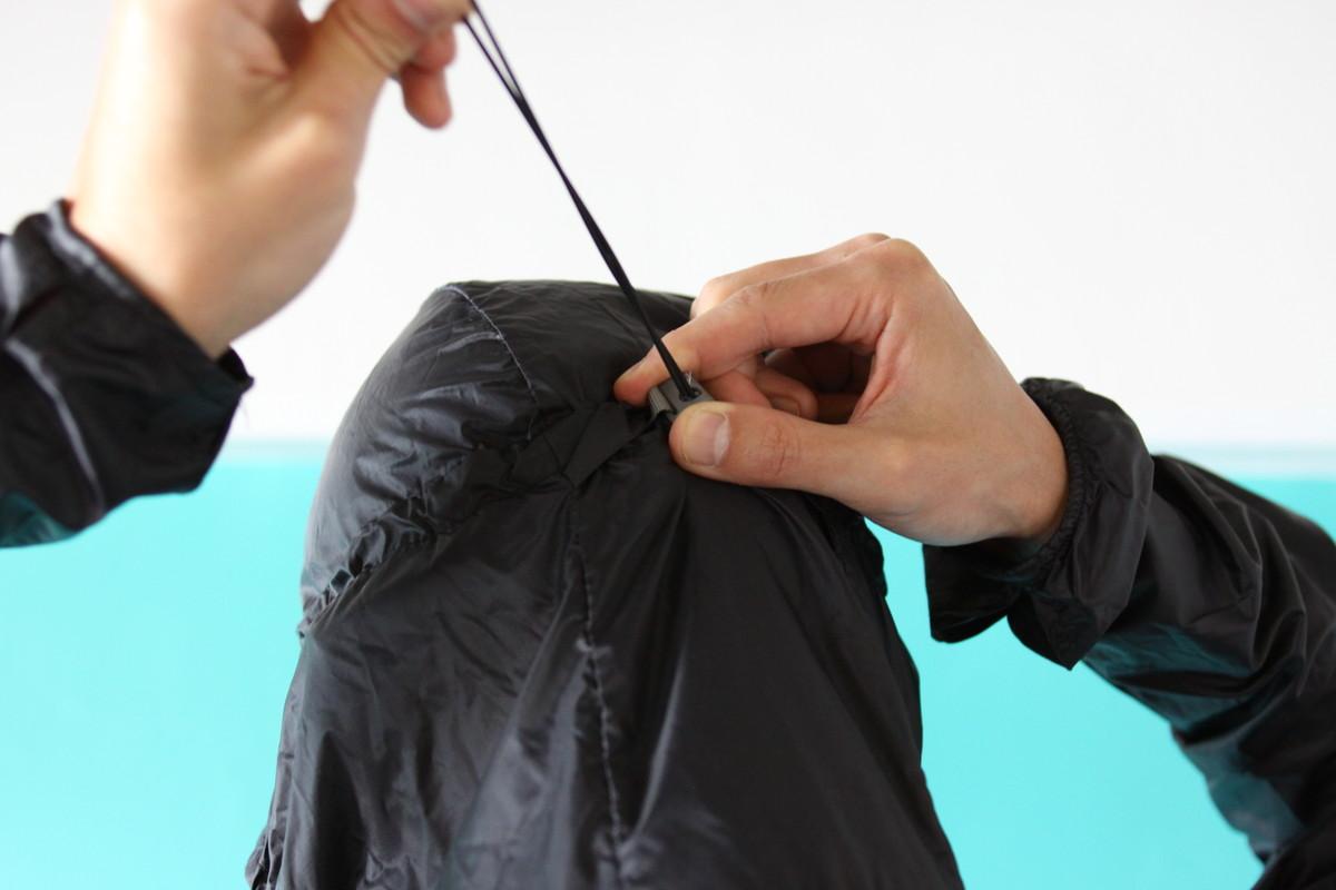 HOUDINI メンズ カム アロング ジャケットのフード