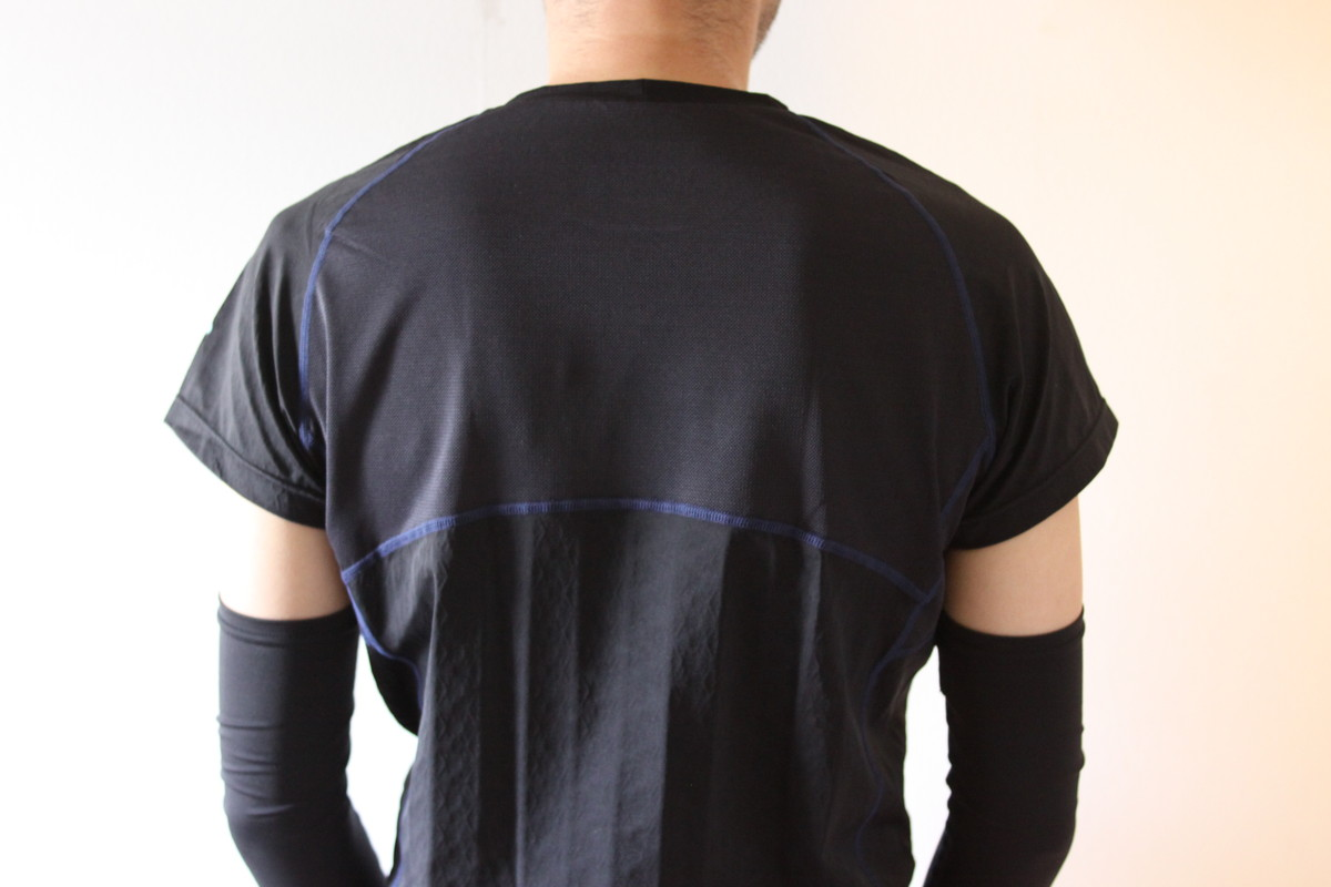 FREEZETECHのクルーネックTシャツ