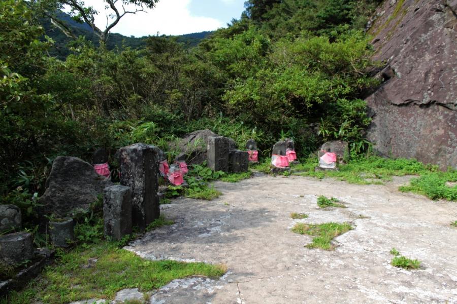箱根石仏群めぐり 歴史体感の山旅