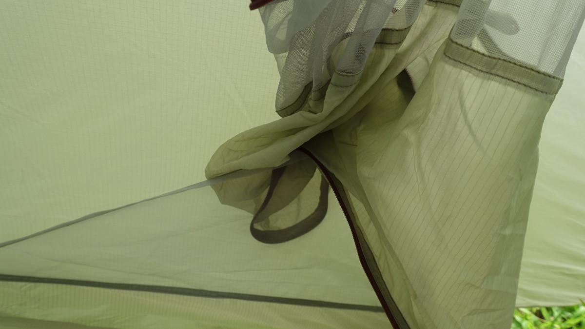 テント内部空間と外部空間