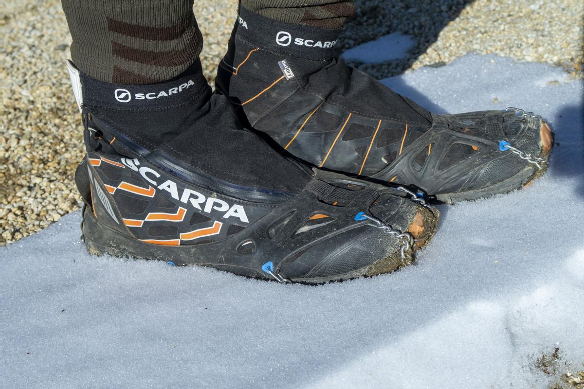 スカルパ ニュートロンG 冬山 トレイルランニングシューズ チェーンアイゼン