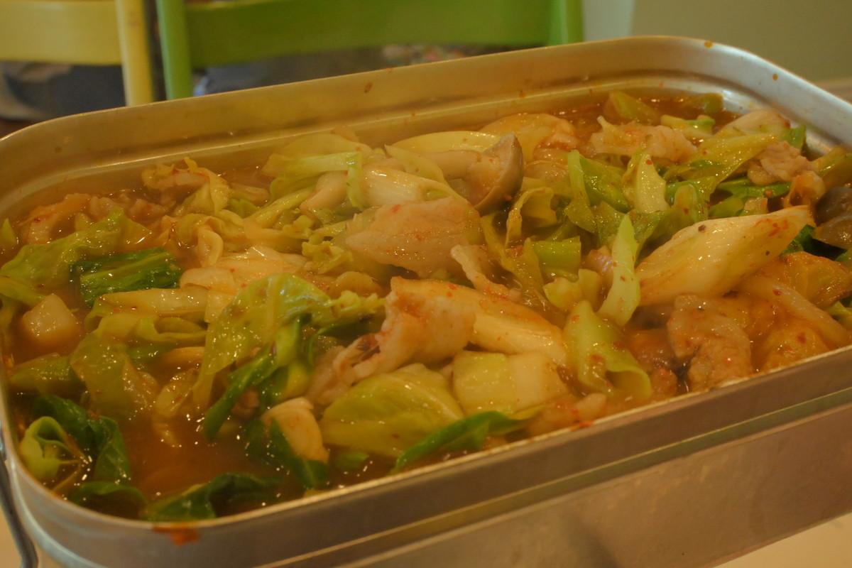 ラージメスティン山ごはんレシピ−キムチ鍋 完成