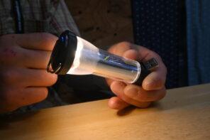 ゴールゼロ LEDミニランタン-ケーブルなし充電したまま点灯