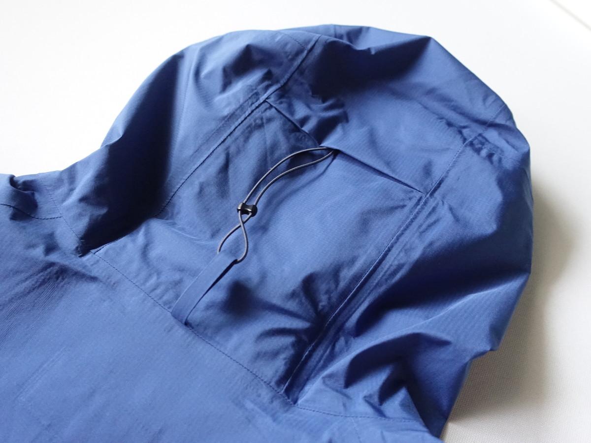 軽量 レインジャケット シンプルな構造 パタゴニア ストーム・レーサー・ジャケット