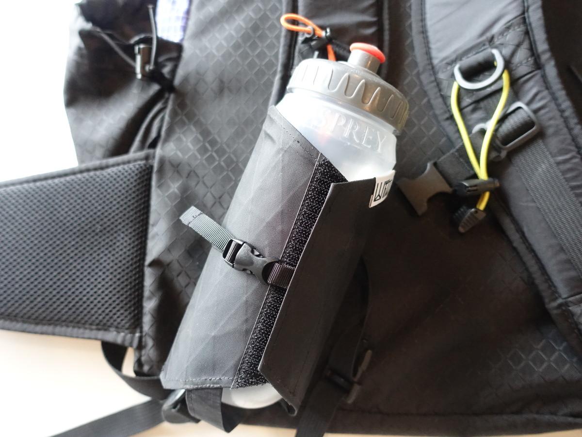X-PACボトルホルダー 登山 UL バックパックの取り付け