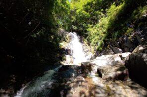 夏登山定番の沢登り!シャワークライミングの魅力と基本をご紹介!