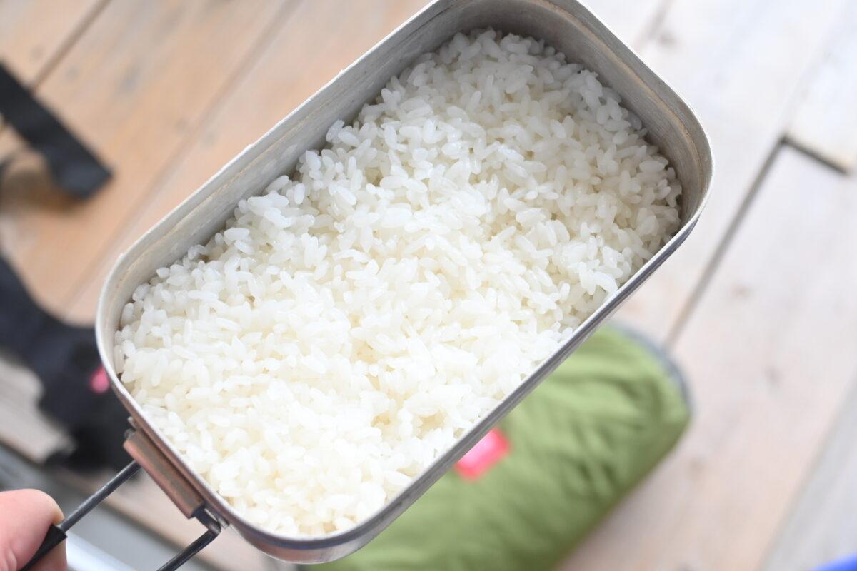 メスティン 炊飯 大人のソロキャンプ米