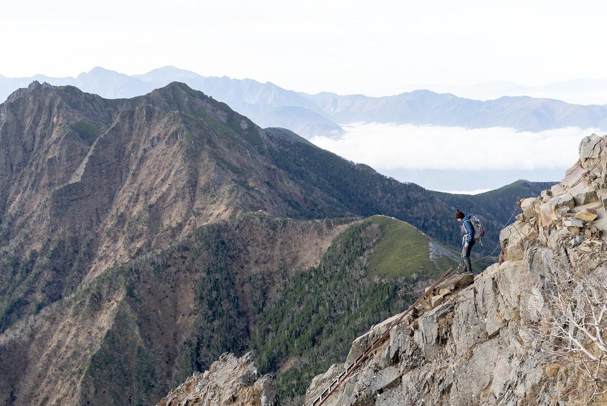 赤岳山頂 源治バシゴと呼ばれる鉄製のハシゴ
