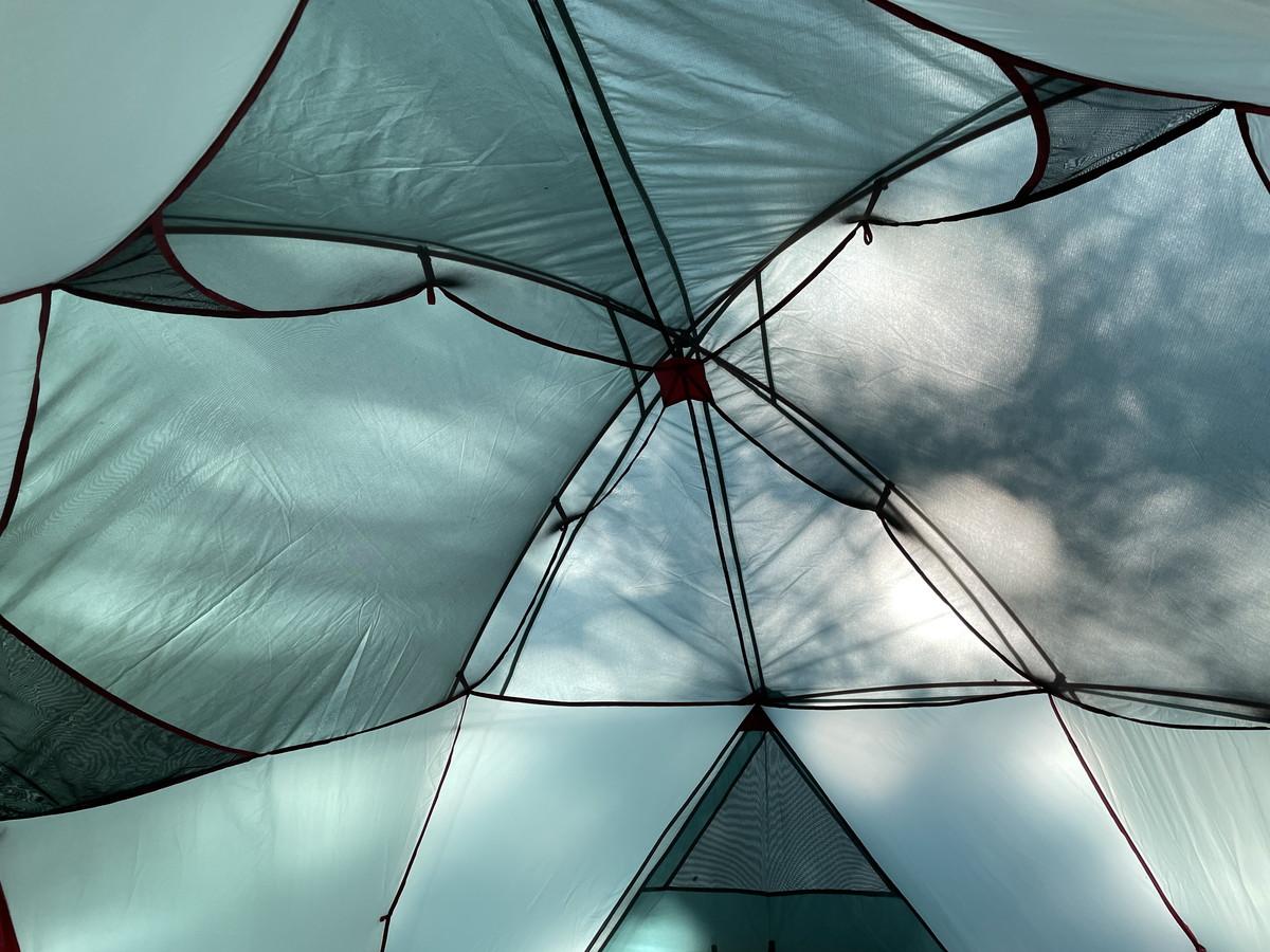 インナーテント内部の天井